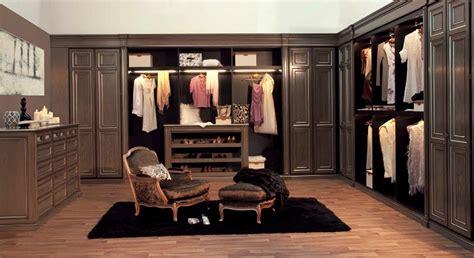 Closet In by A Walk In Closet Fashion Oasis Eieihome