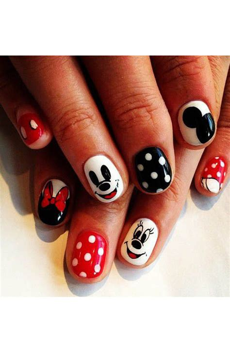 how to decorate your nails with mickey mouse nail
