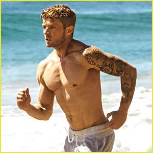ryan phillippe explains how he gets his ripped body