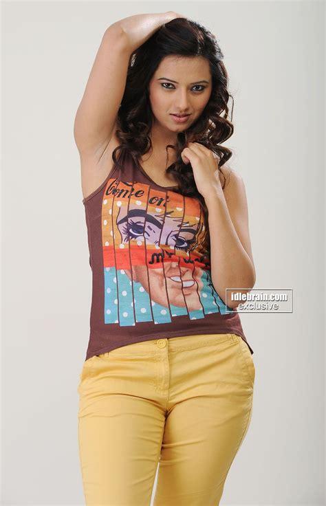 telugu photos ideas isha chawla photo gallery telugu cinema actress