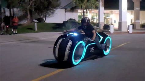 Motorrad Film Tron by Tron Cycle Street Legal Yours For Under 60 000 Play