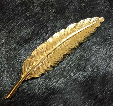 Lagie Golden Leaf Choco Stick shuangr 2016 retro golden leaf feather brooch pins collar suit stick breastpin lapel pin