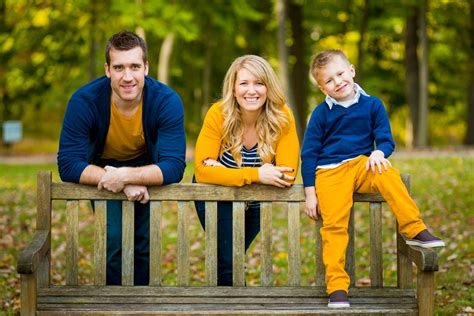 colors for family pictures fall family photos at valley forge national park the best