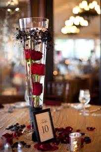 Underwater Vase Lights Submerged Red Roses As A Centerpiece Work Ideas