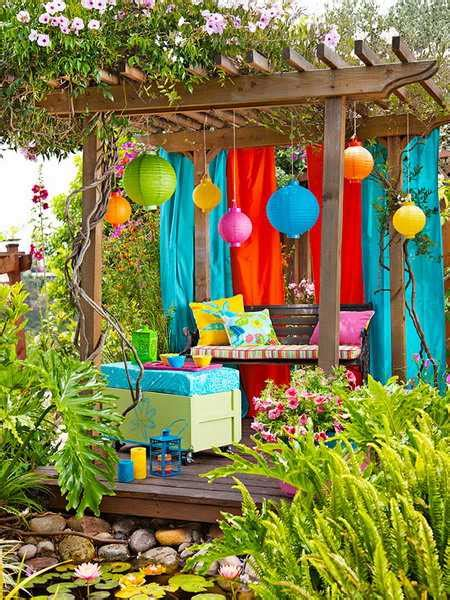 Outside Decorations by 20 Diy Outdoor Curtains Sunshades And Canopy Designs For