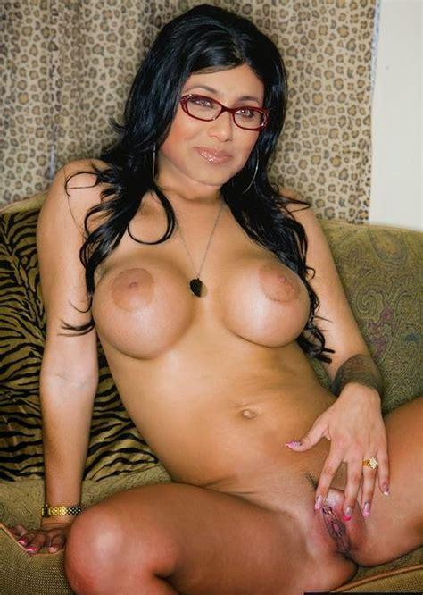 Rani Mukherji Nude Choochiyan Porn Bikini Sexy Photography