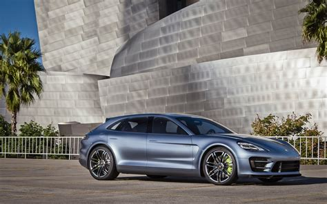 future porsche panamera video find take a closer look at the porsche panamera
