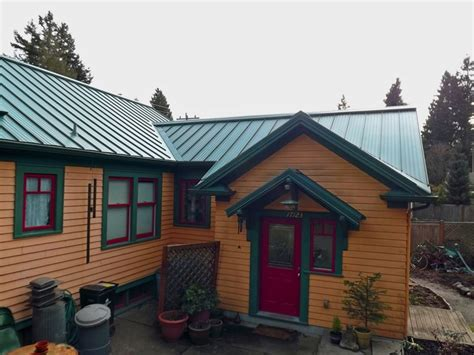 exterior paint colors for house with green roof green roof paint combo sorta of mimics the color of a