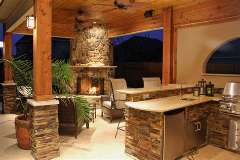 Upgrade Your Backyard With An Outdoor Kitchen Outdoor Kitchen And Fireplace