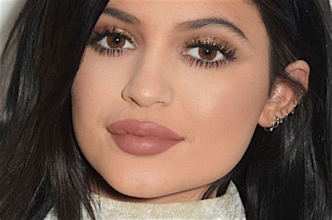 black celebrity makeup lines kylie jenner wants to launch a makeup line in 2016 and