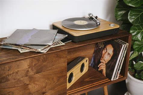 house of marley house of marley baut ersten eigenen plattenspieler quot stir it up quot stereopoly