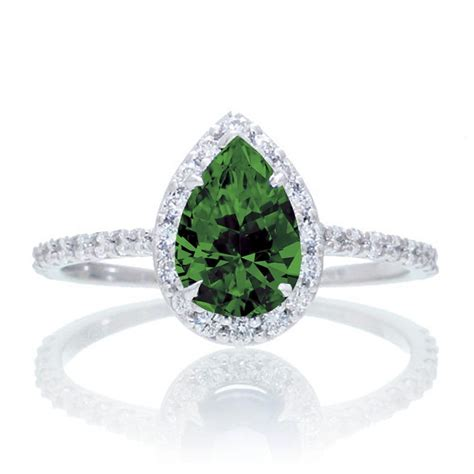 1.5 Carat Classic Pear Cut Emerald With Diamond Celebrity