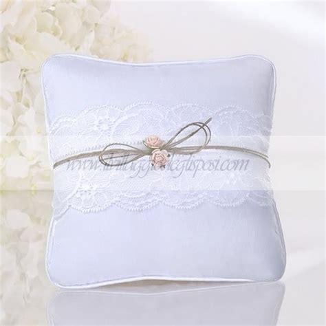 vendita cuscini on line vendita cuscino bianco con fascia in pizzo