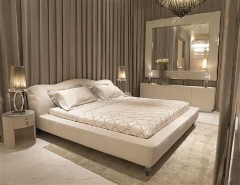 luxury bed nella vetrina visionnaire ipe cavalli ginevra luxury