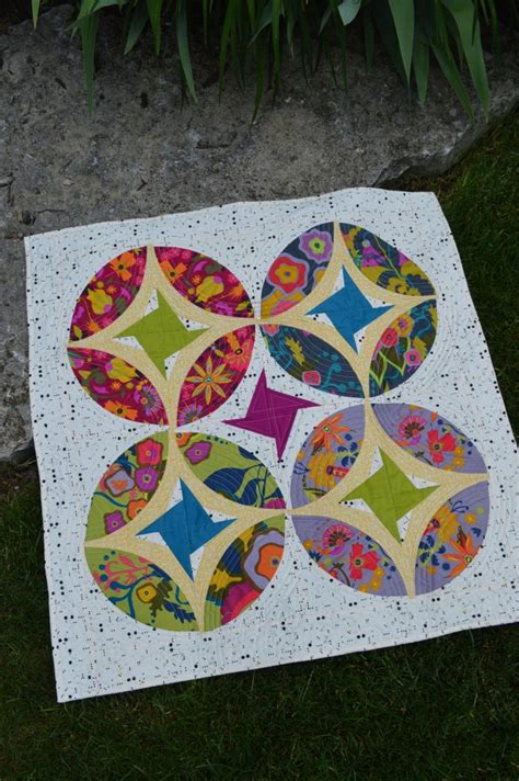 quilt pattern eclipse eclipse quilt archives color girl quilts by sharon mcconnell