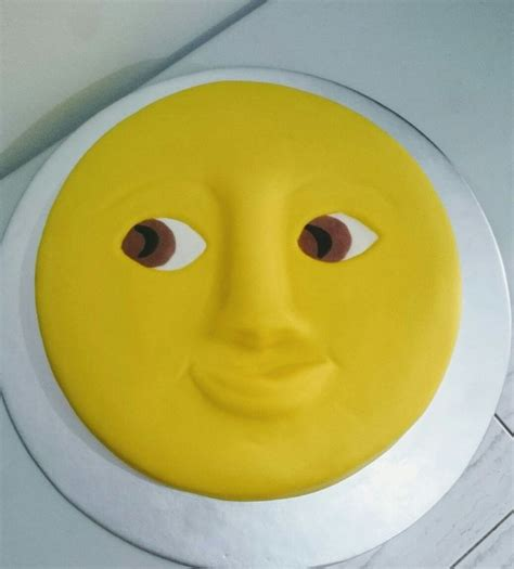 iphone emoji moon faces 25 best ideas about moon face emoji on pinterest faces