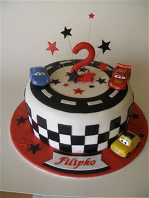 Topper Mc Set Hiasan Kue Tart Ultah for bottom part of cake with race track around bottom