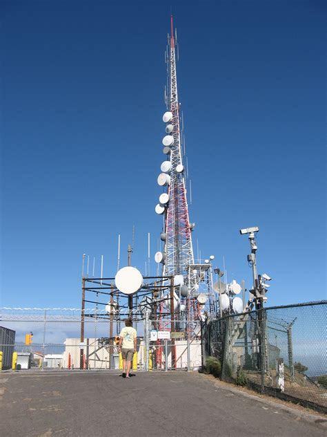 hollywood sign radio tower los angeles