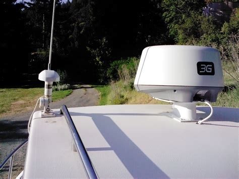 lowrance  radar  gps antennaes  hull truth