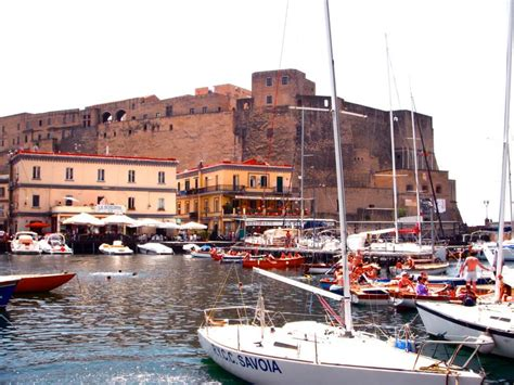 best of naples italy castles best of naples italy chasing