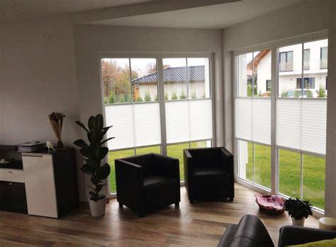Plissee Wohnzimmer by Plissee Lichtschutz Und Sichtschutz Mit Plissees