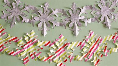 How To Make A Paper Chain Of Snowflakes - 19 wrapping paper crafts