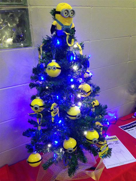 17 cute and adorable minion christmas theme house design