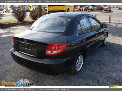 Kia 2004 Sedan 2004 Kia Sedan Midnight Black Gray Photo 4