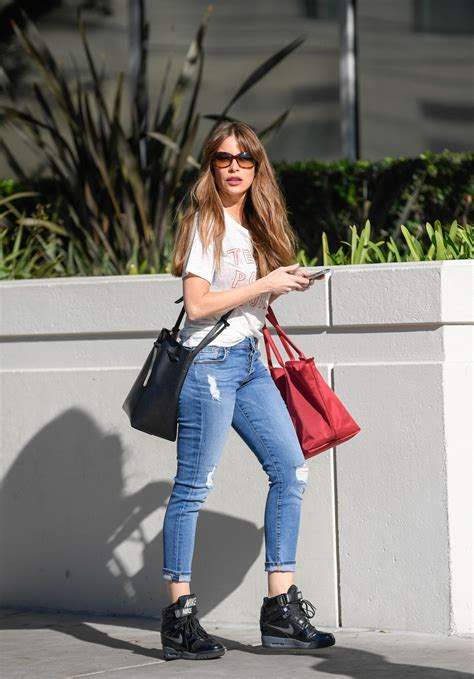 Spotted Shopping And More by Sof 237 A Vergara Spotted Out Shopping In La Celebzz Celebzz