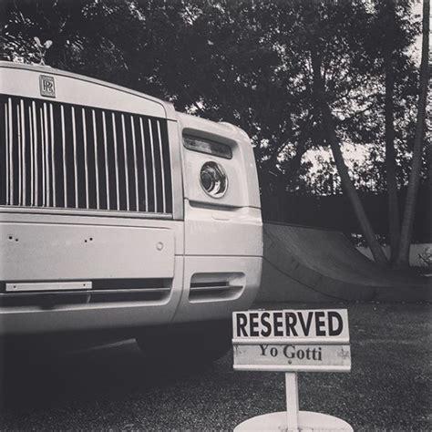 yo gotti bentley yo gotti s new rolls royce phantom has its own parking