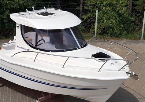 the pilot house boat pilot house 580 sport yacht