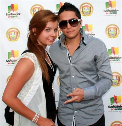 andy rivera y su novia andy rivera y su novia newhairstylesformen2014 com
