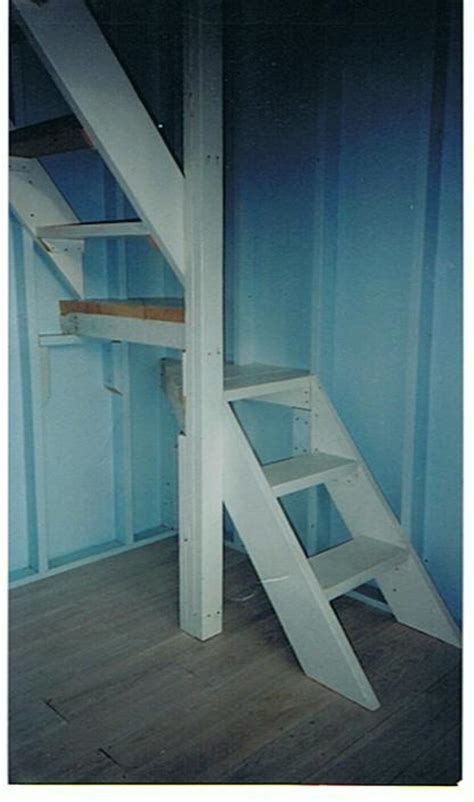 Simple Stairs Design For Small House Cabins Loft Stairs Small Stairs Ideas Attic Stairs Ideas Tiny House Loft Bedrooms Small