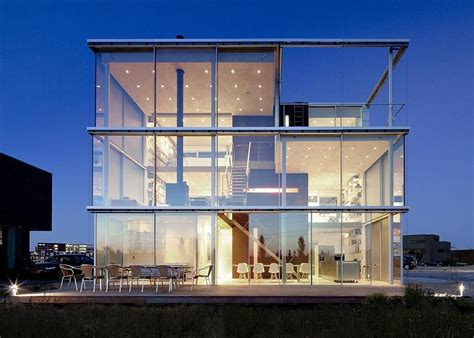 modern glass house stunning modern glass houses that beling in the storybooks