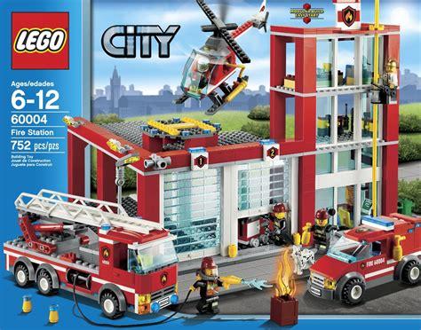 11 Big Lego City Sets   Join the Building Craze!