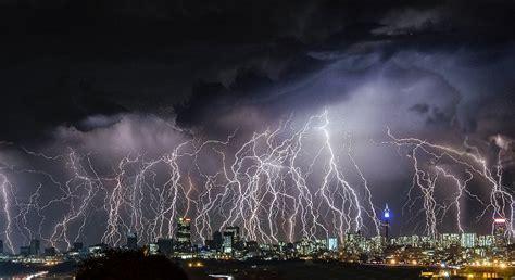 Lightening Day Free Beonskin 11 dramatic images of lightning johannesburg africa geographic