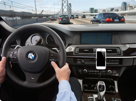 Change The Interior Of Your Car by Apple S Ios 7 Makes A Bold Move For The Car Dash Seeks To