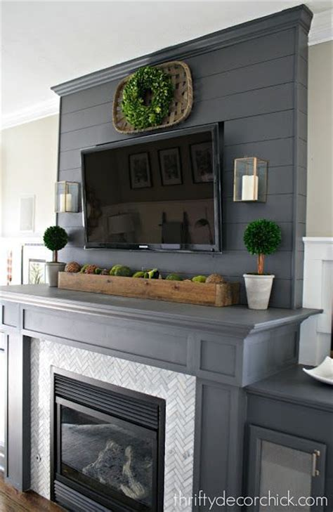 Decorating Fireplace Mantel With Tv Above by Best 20 Tv Fireplace Ideas On Tv Above
