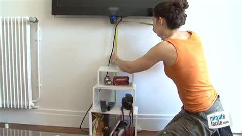 Accrocher Tv Mur Sans Voir Fils by Cacher Fil Electrique Mur Boite Range Cable Merveilleux