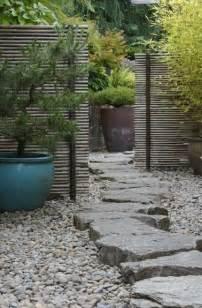attractive Allee De Jardin Pas Chere #1: allee-de-jardin-style-zen-en-pierres.jpg