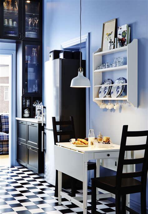ikea kitchen design for a small space jak urządzić wąską kuchnię aranżacje ciemnego i jasnego