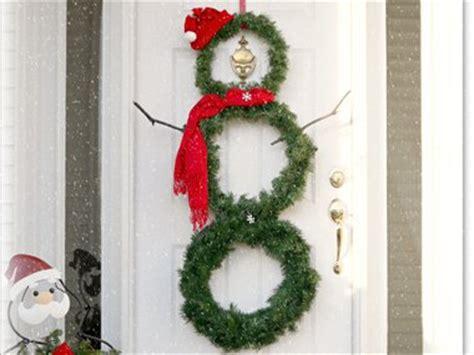 make at home christmas decorations cheap christmas decorations 24 homemade decorating ideas