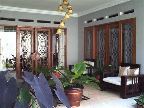 Lu Hias Tiang Teras Rumah contoh kursi kayu unik teras minimalis terbaru 2016
