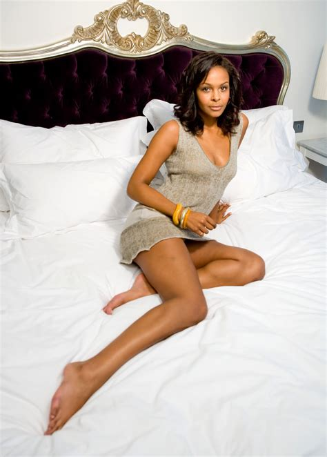 celebrity dresm feet samantha mumba feet