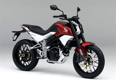 [motorcycle.com]   Honda SFA Streetfighter Concept