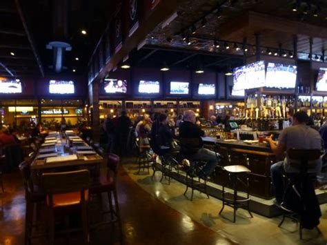 top sports bars in las vegas tap sports bar at mgm grand las vegas las vegas estados