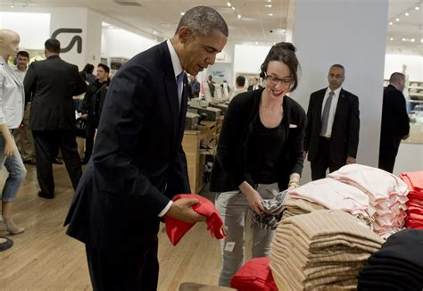 barack obama gets a sneaky visit from daughter sasha in barack obama makes surprise shopping trip to the gap