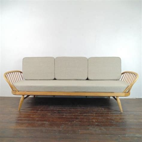 ercol studio couch vintage ercol studio couch blonde with linen upholstery