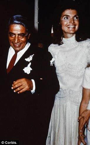 jackie kennedys wedding dress   star   glamorous  valentino exhibition  open
