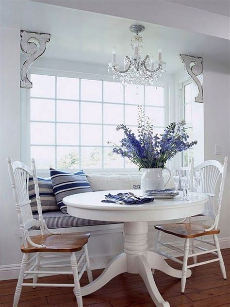 Table For Bay Window In Kitchen Window Seat In Kitchen Bay Window Are And The Table Casa Duex White